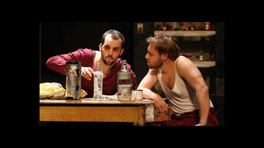 Video Osiřelý západ - u Bezručů hrají bratrovražednou komedii