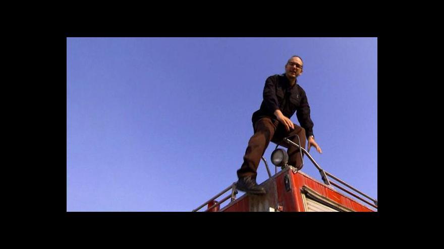 Video Dokument připomíná pomoc palestinských hasičů Izraeli