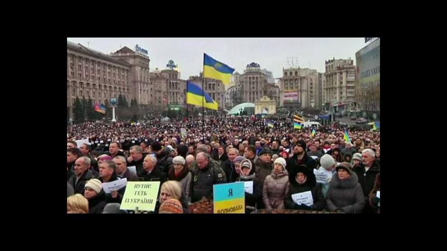 Video Minutou ticha uctili Ukrajinci oběti z Volnovachy