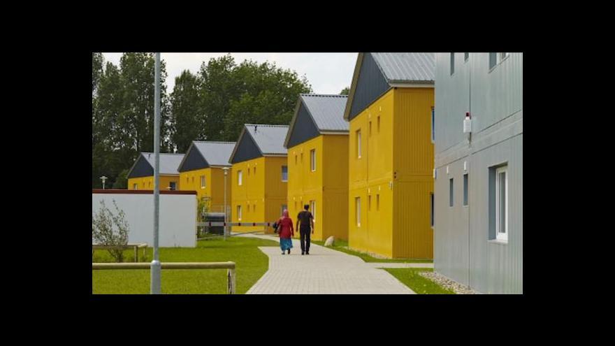 Video Česká firma staví kontejnerové bydlení pro syrské uprchlíky