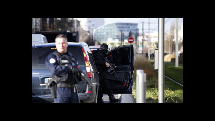 Video Zpravodaj ČT: Muž, který přepadl poštu, je psychicky nemocný