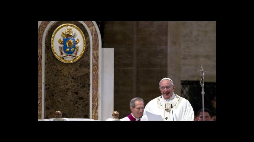 Video Papežova mše v chrámu v Manile