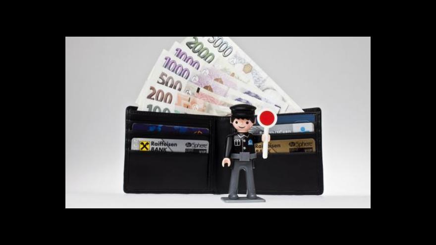 Video Finanční ústava na vládním stole