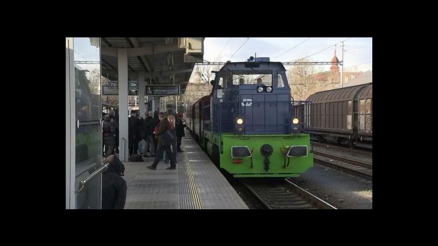 Video Lokomotiva na plyn vezla první cestující