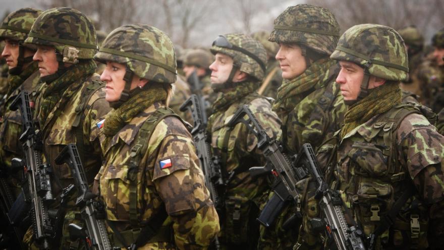 Video Události: Česko nezvládne dát na obranu do roku 2024 dvě procenta HDP, řekla Schillerová