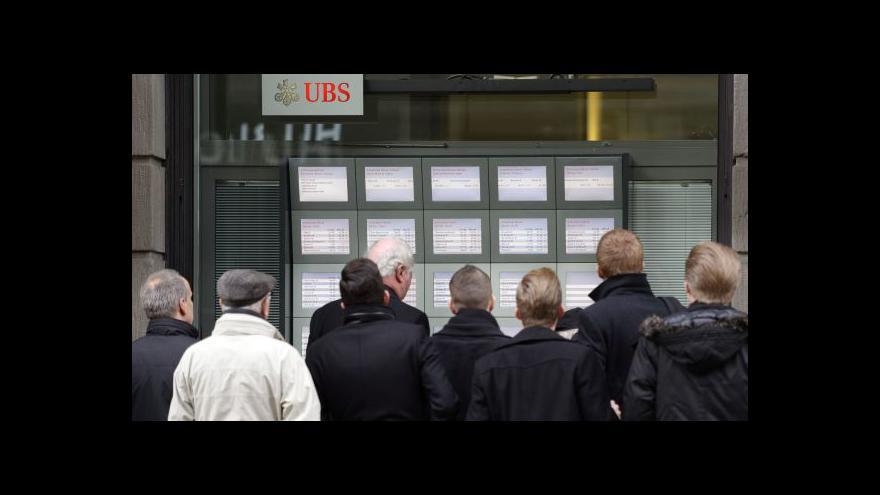Video Limit švýcarského franku vůči euru padl - k překvapení všech