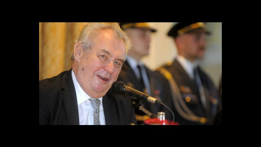 Video Prezident Zeman vyzval ČNB, aby zastavila intervence