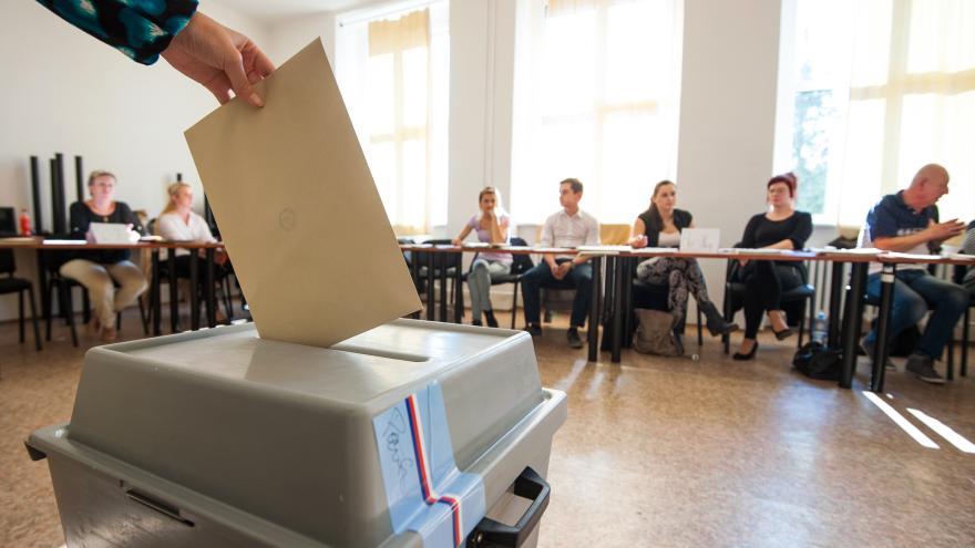 Video 90' ČT24 - Průhledné financování politických stran