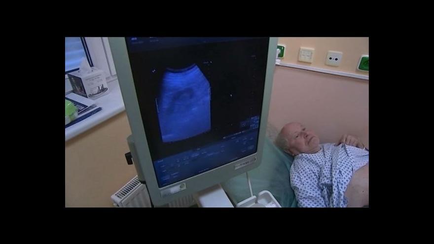 Video Lékaři z Krnova objevili v těle pacientky unikátního parazita