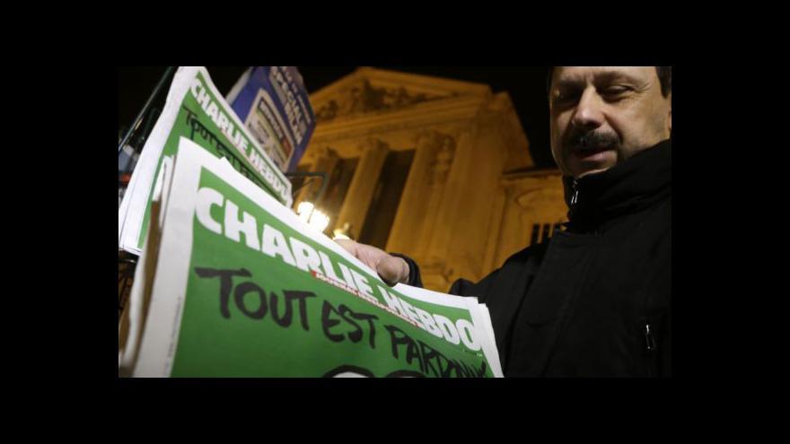 Video Zpravodaj ČT: Charlie Hebdo už v Paříži neseženete