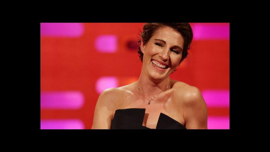 """Video V muzikálu podle Almodóvara hraje Tamsin """"Fran"""" Greigová"""