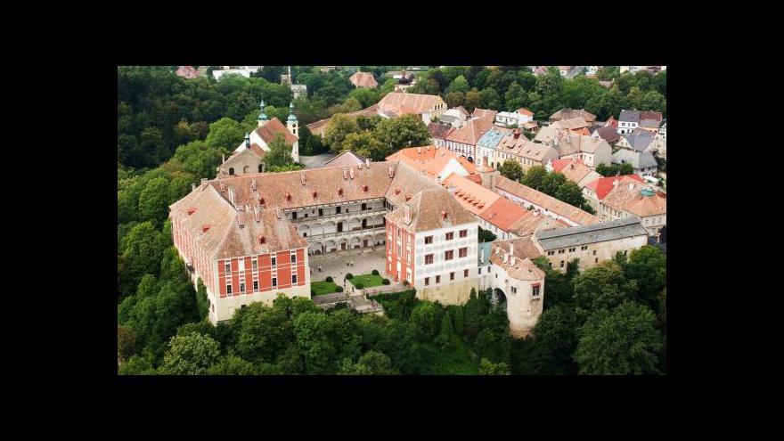 Video Spor o zámek v Opočně trvá už 24 let