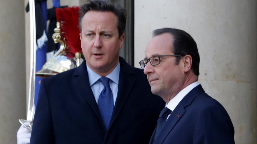 Video Cameron a Hollande k posílení ochrany proti terorismu
