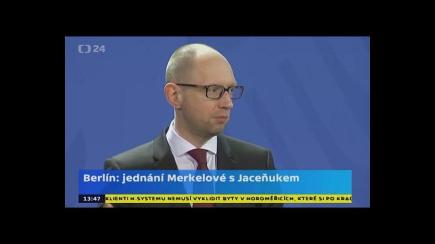 Video Berlín: Jednání Merkelové s Jaceňukem