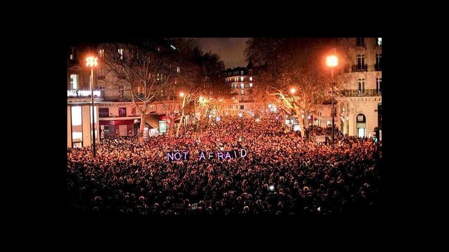 Video Velíšek: Francouzští politici volají po národní jednotě
