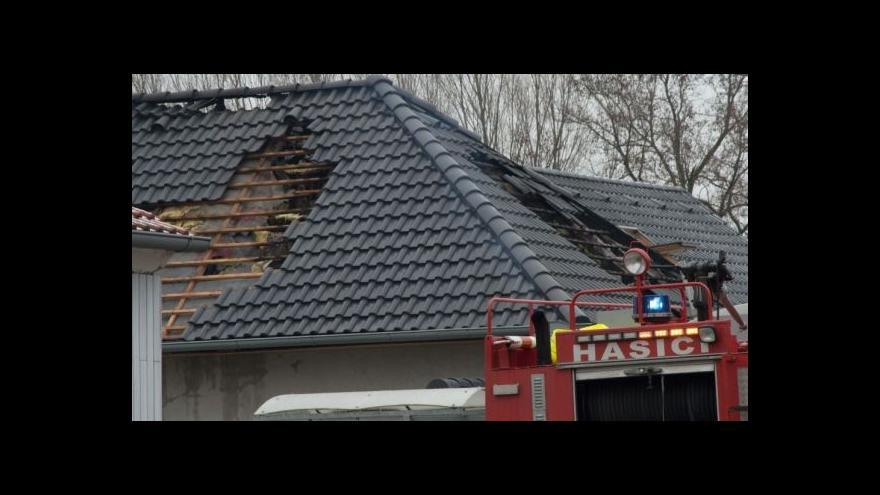 Video Při požáru domu ve Vítonicích na Znojemsku zemřel člověk