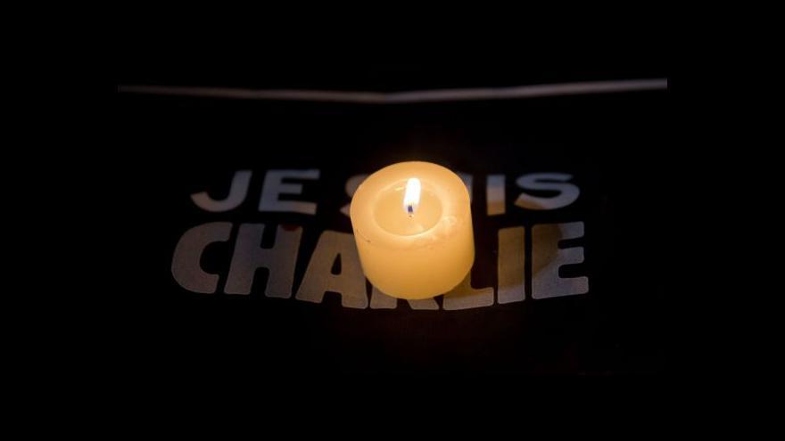 Video Zpravodaj ČT: Nejmladší podezřelý se přihlásil na severu Francie
