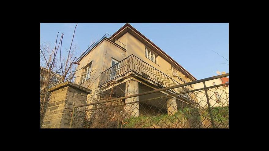 Video V roce 2004 odhadl znalec vilu na 9 milionů