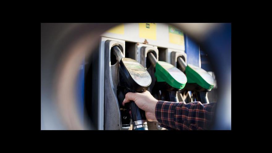 Video Události: Češi tankují pátý nejlevnější benzin v Evropě
