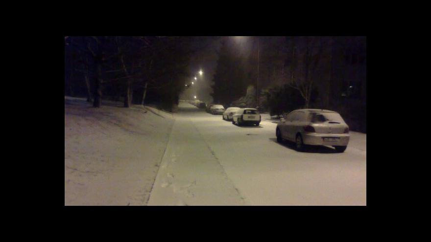 Video Napadlo čtvrtmetru sněhu