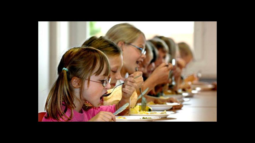 Video Obědy pro děti plní svůj účel na jedničku
