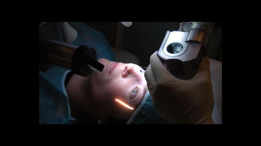 Video Oční lékařka: Vyšetření a operace by neměly být ve stejný den