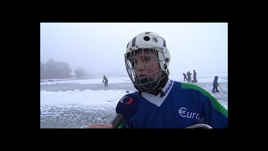 Video Anketa mezi bruslaři na rybníce v Popůvkách u Brna