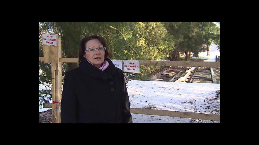 Video O mostech hovoří kastelánka zámku Lednice Ivana Holásková