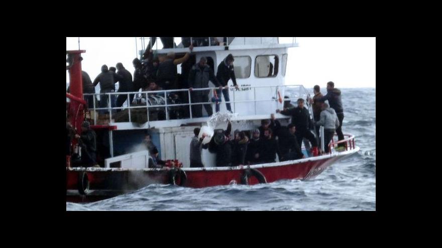 Video Během tří dnů zachránila Itálie už druhou loď s uprchlíky