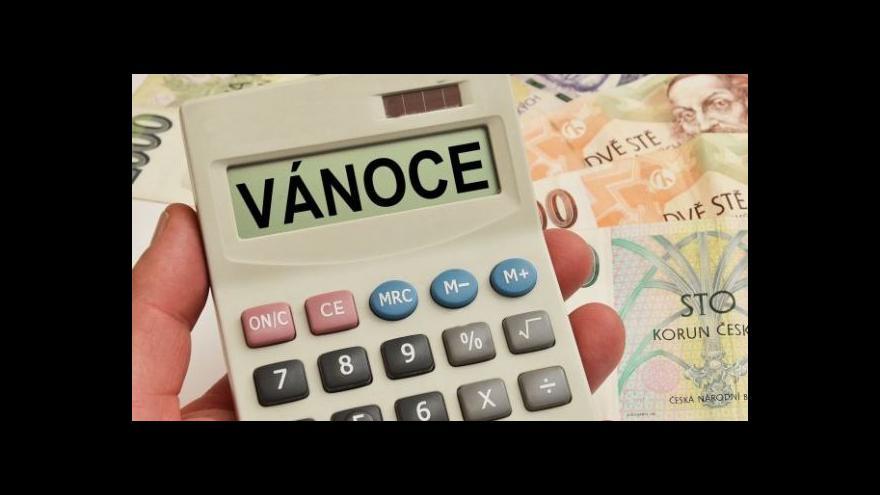 Video Události: Přibývá Čechů, kteří mají problém splácet dluhy