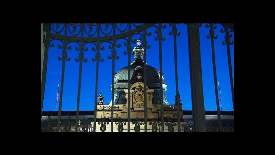Video Průzkum: Veřejnost by vládě dala trojku