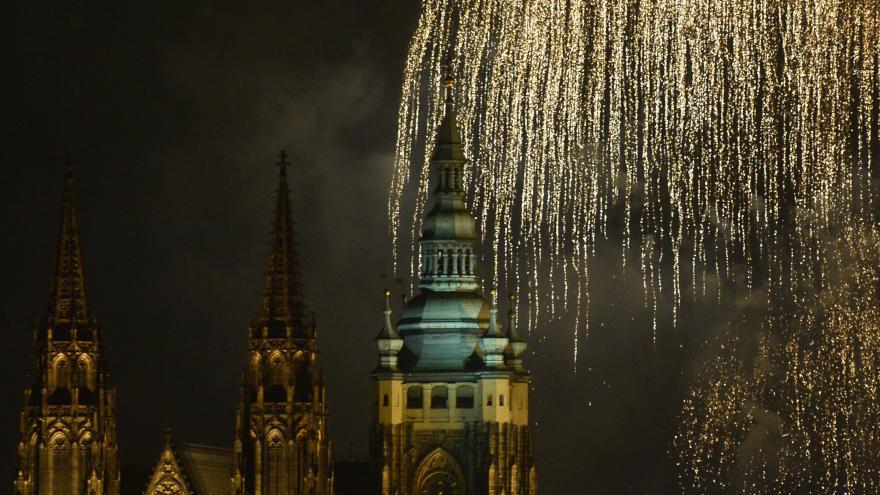 Video Novoroční ohňostroj v Praze