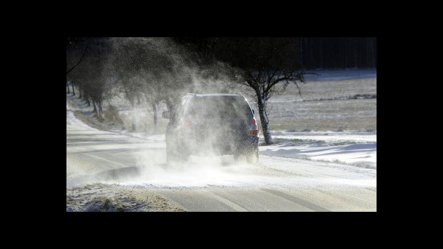 Video Meteorologové varují řidiče před náledím