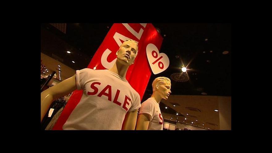 Video Obchodníci spouští povánoční slevy