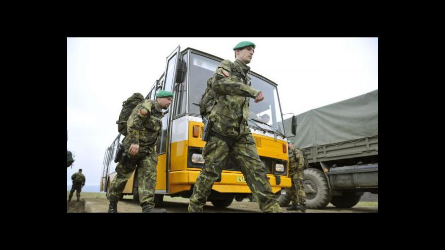 Video Ve Vrběticích se poprvé měnili vojáci