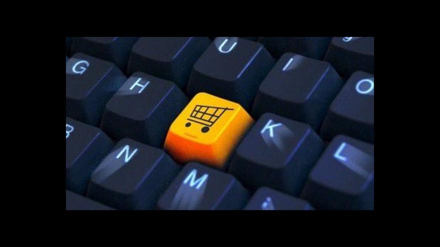 Video Předvánoční boj e-shopů s využitím kyberpomluv