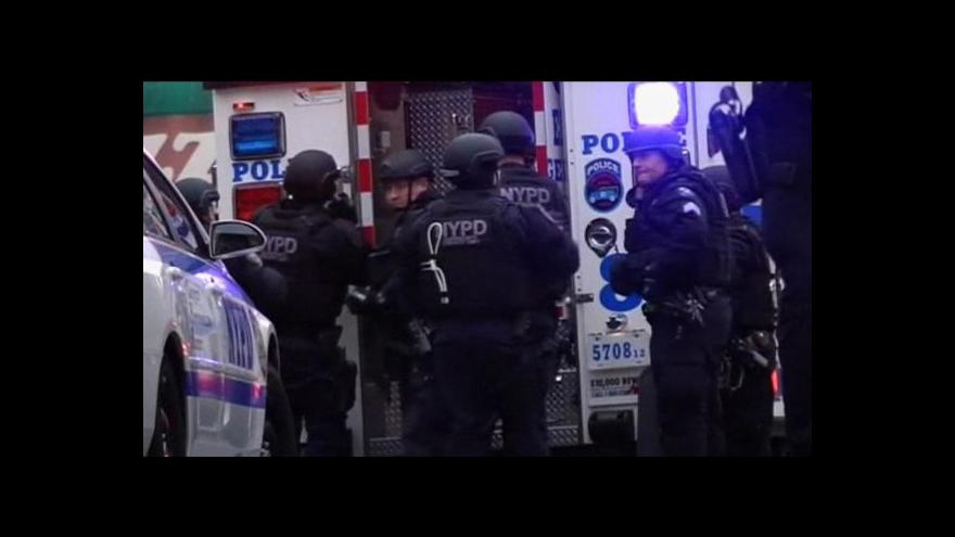 Video Útočník v New Yorku zastřelil dva policisty