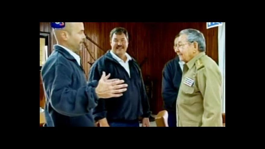 Video Propuštění kubánští agenti skončili v Castrově náruči