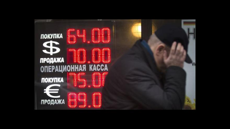 Video Události: Kurz rublu Putin svým projevem neovlivnil
