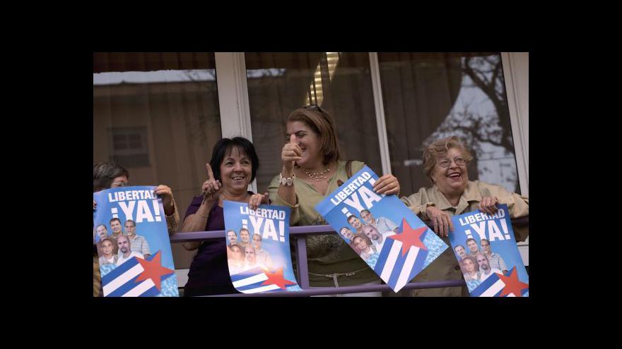 Video K oteplení vztahů USA-Kuba zaznívá kritika i chvála