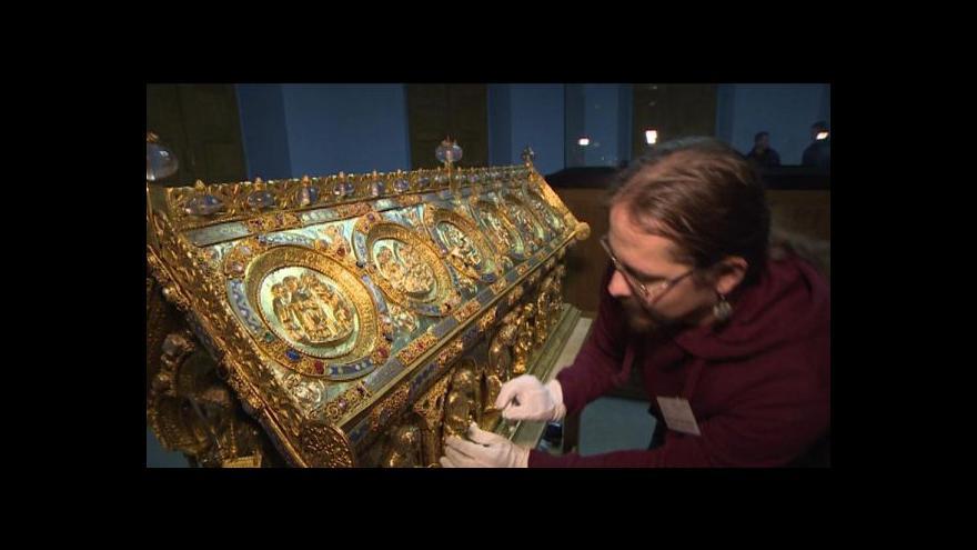Video Relikviář sv. Maura převezen na Pražský hrad
