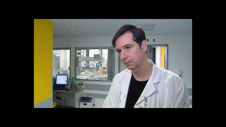 Video Události: Lékaři podruhé v historii pacientovi transplantovali srdce i plíce