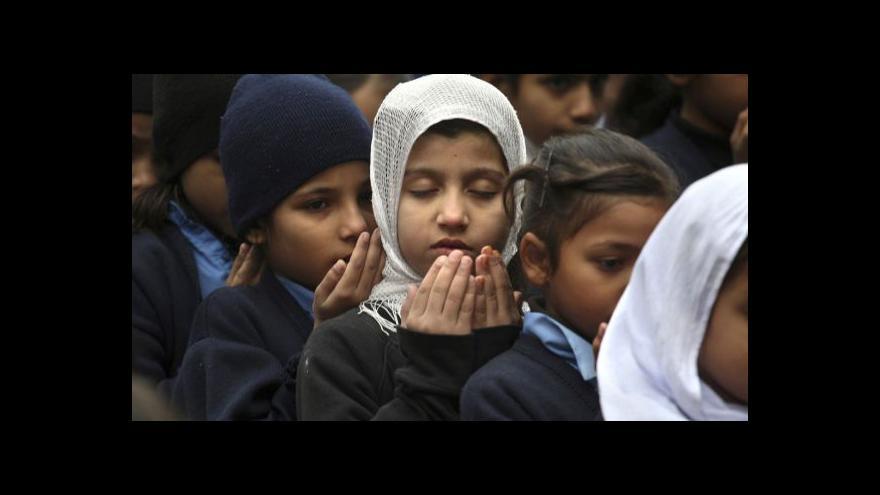 Video Politolog: V Péšávaru nešlo o náboženství, jen o pouhý masakr