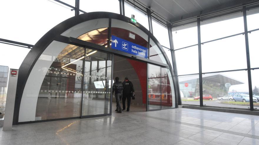 Video Mošnovskému letišti přibyli cestující