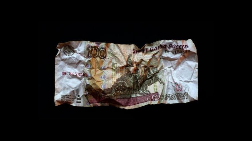 Video Komentátor Dvořák k pádu rublu: Nikdo neví, co Putin udělá