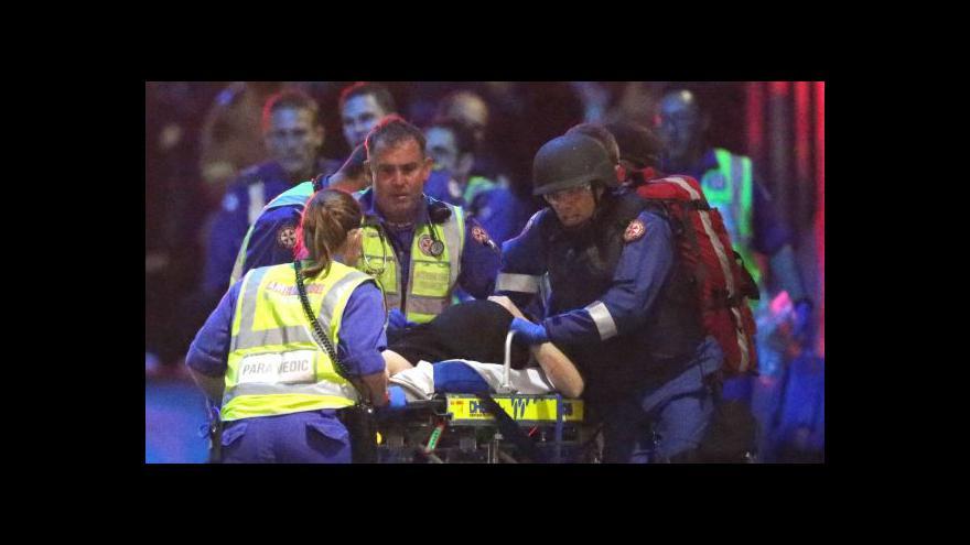 Video Podívejte se: Útěk rukojmích a policejní zásah proti útočníkovi