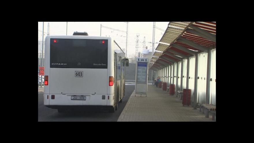 Video Lidé v Jílovém sepsali proti změnám v dopravě petici