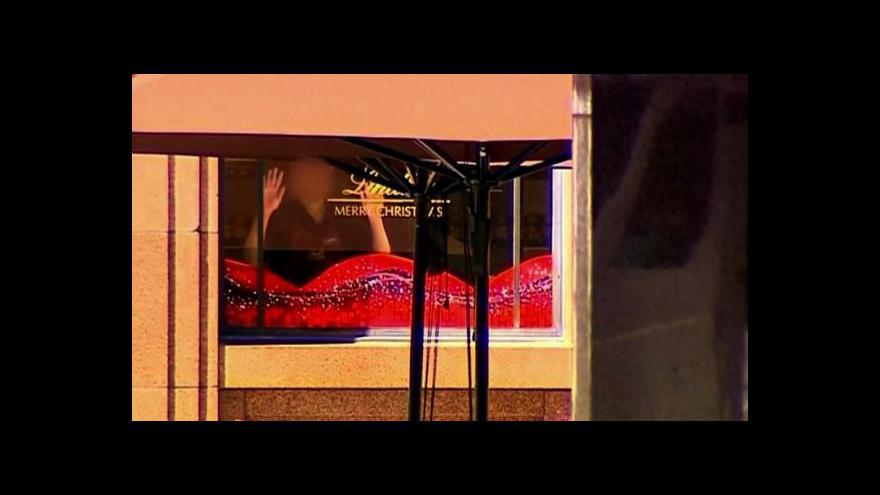 Video Ozbrojený útočník drží rukojmí v Sydney