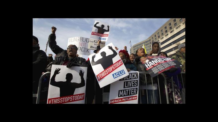 Video Tisíce lidí ve Washingtonu volají po rasové spravedlnosti