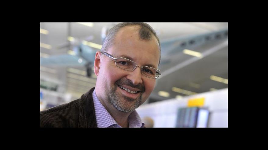 Video Pomahač: Transplantace jsou dostupné pro kohokoli, náklady hradíme z grantů